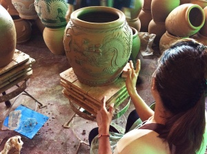 The extraordinary water jars of Pottery Legend in Ratchaburi